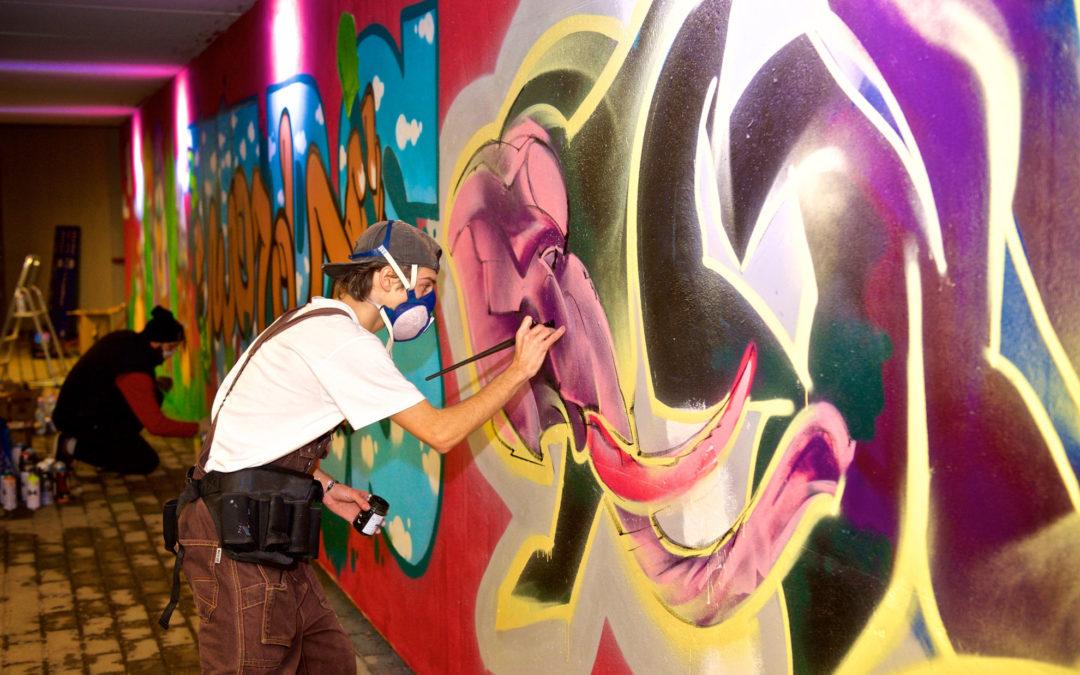 Dipinto con murales il sottopasso ferroviario di Tassignano